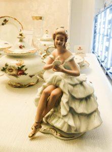 Ročno pobarvana plesalka Weimar Porzellan